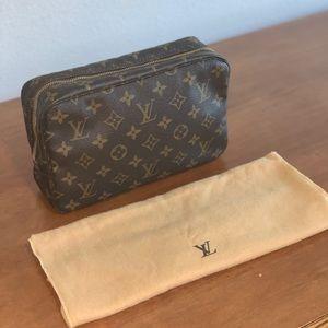 Authentic Louis Vuitton Trousse 23